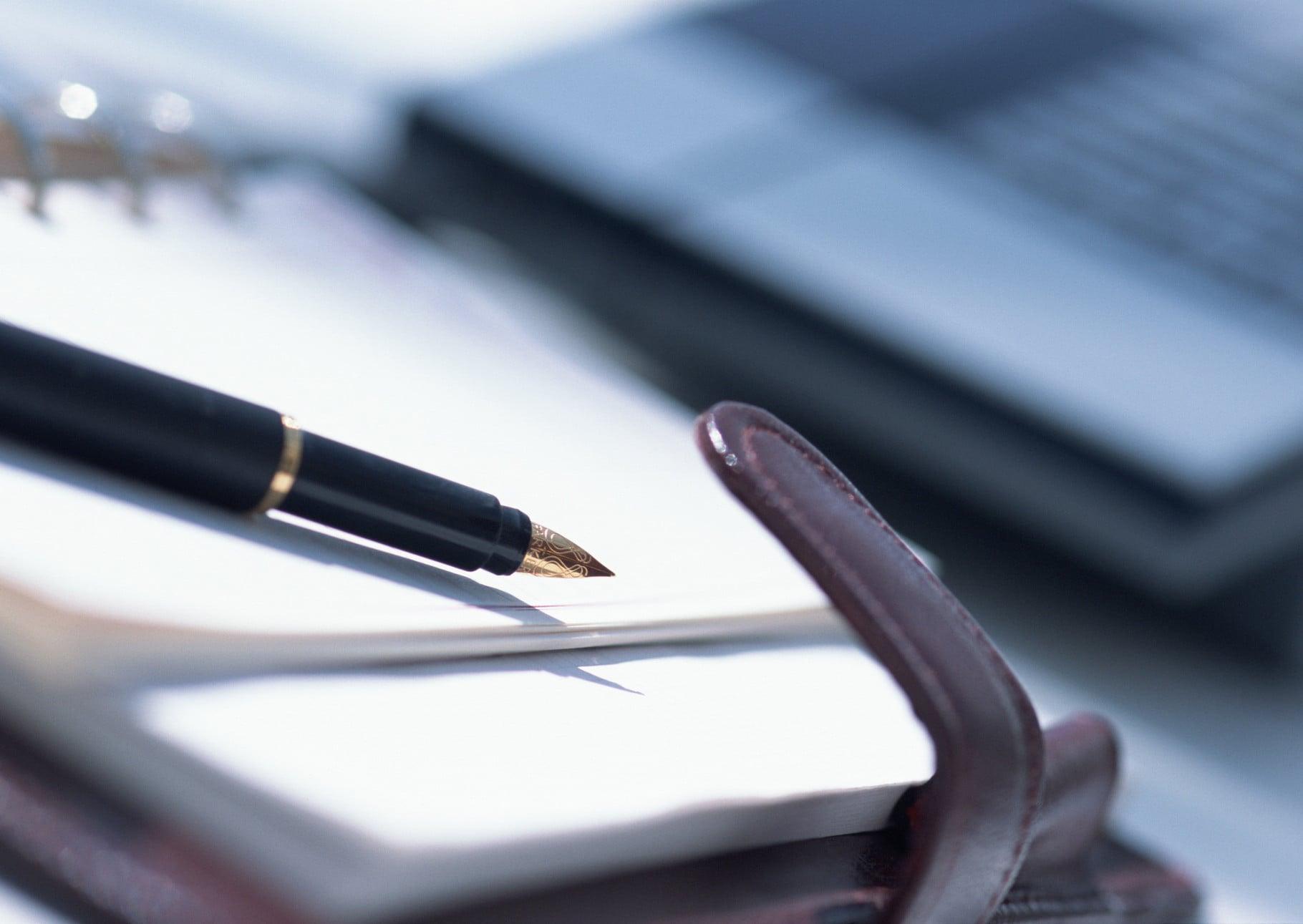 помощь при составлении договоров и сопровождению сделок